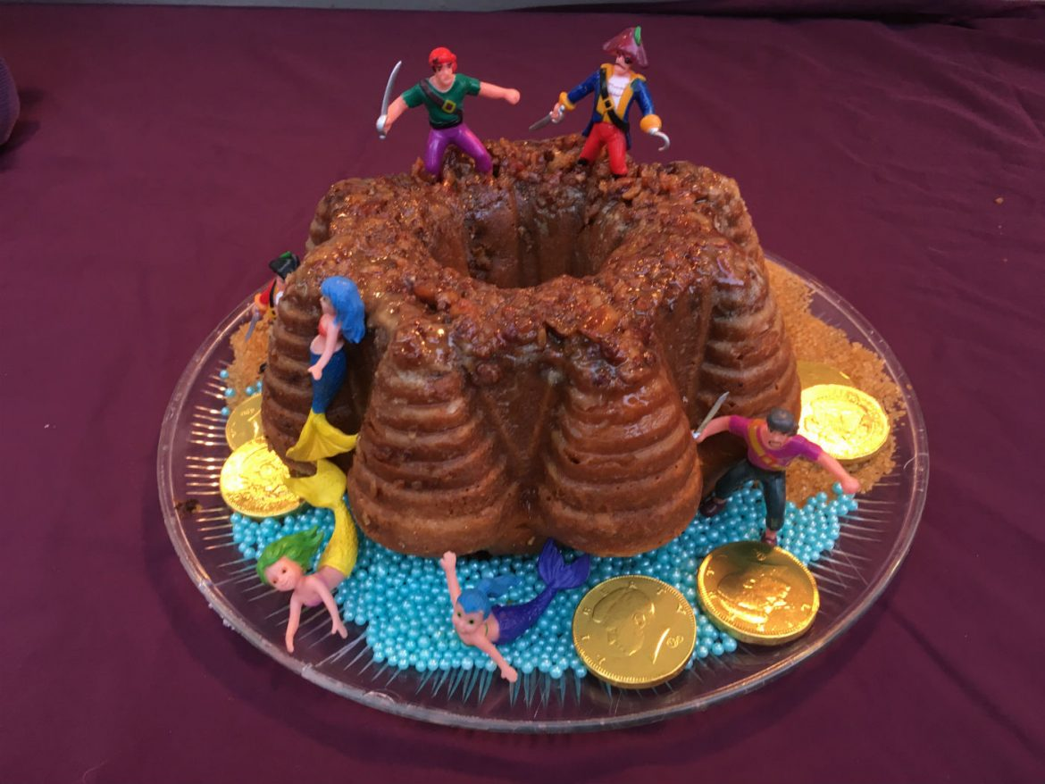 pirate rum cake, Fast and Easy Pirate Fort Holiday Dark Rum Bundt Cake // Mermaids Optional